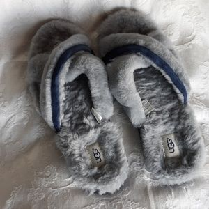 UGG Lambs wool Grey sandals flip flops sz 12